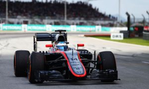 Magnussen keen to learn from Alonso