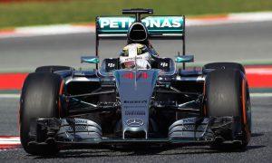 Hamilton heads Vettel in FP2 in Spain