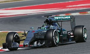 Rosberg dominates opening day of Barcelona test