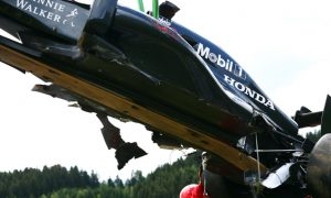 McLaren-Honda forced to change test plans