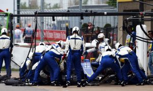 Watch Sauber's #SummerFun F1 pit stop