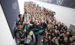 Lowe hails outstanding commitment of Mercedes-Benz