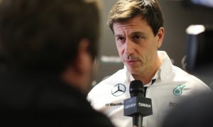 Wolff: F1 needs to talk itself up more