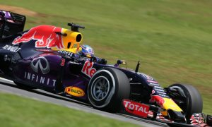 Ricciardo convinced Red Bull would have won with Mercedes power