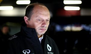 Vasseur not comparing Renault performance to rivals