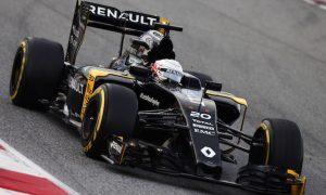 Magnussen: Renault 'just around the points'