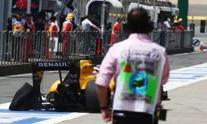 Rosberg tops dramatic FP1 in China