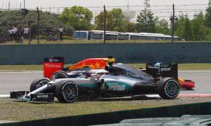 Mercedes v Ferrari 'a real fight this weekend' - Hamilton