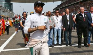 Hamilton: F1 shouldn't be scared to try new formats in 2016