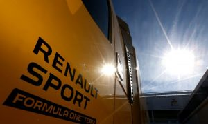 Renault struggles to strengthen F1 staff