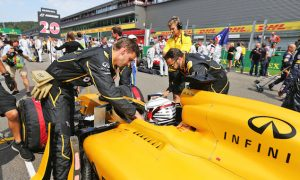 Magnussen to race spare Renault chassis in Monza