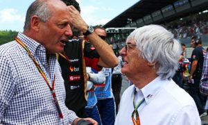 Ecclestone offers support to Ron Dennis