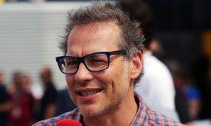 """Villeneuve critique la tendance au """"jeunisme"""""""