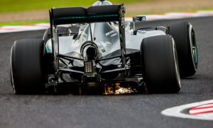 Rosberg raises money for charity with iconic shot