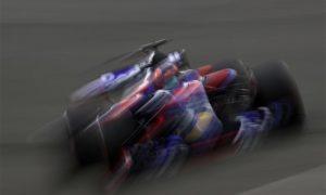 Kvyat se rapproche d'une course de suspension