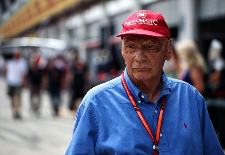 Niki Lauda undergoes lung transplant