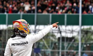 Hamilton on pole ahead of Raikkonen and Vettel
