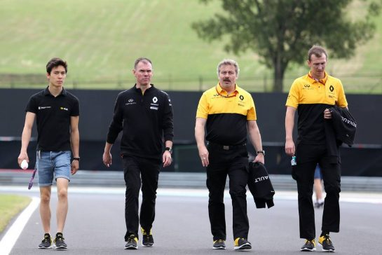 JackAitken (GBR), Renault Academy Driver, Alan Permane (GBR) Renault Sport F1 Team Trackside Operations Director 27.07.2017. Formula 1 World Championship, Rd 11, Hungarian Grand Prix, Budapest, Hungary, Preparation Day.- www.xpbimages.com, EMail: requests@xpbimages.com - copy of publication required for printed pictures. Every used picture is fee-liable. © Copyright: Charniaux / XPB Images