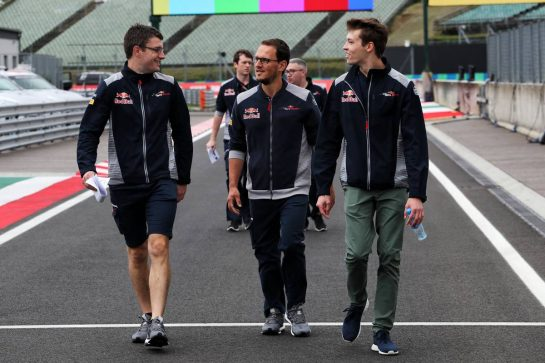 Daniil Kvyat (RUS) Scuderia Toro Rosso walks the circuit with the team. 27.07.2017. Formula 1 World Championship, Rd 11, Hungarian Grand Prix, Budapest, Hungary, Preparation Day. - www.xpbimages.com, EMail: requests@xpbimages.com - copy of publication required for printed pictures. Every used picture is fee-liable. © Copyright: Photo4 / XPB Images