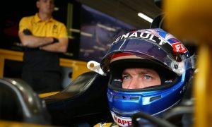 Jolyon Palmer joins the queue at Williams