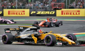 Renault targets reliability to get both cars in top ten