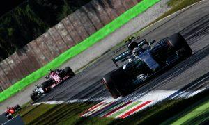 EL1: les Mercedes dominent la séance