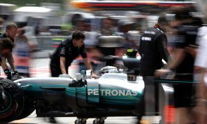 Mercedes 'left in confusion' by performance inconsistencies - Wolff