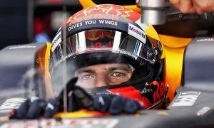 Birthday boy Verstappen 'gifted' third on grid by Ricciardo