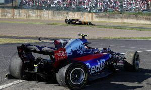 Sainz's farewell to Toro Rosso ends in tatters