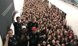 Photos : Mercedes célèbre ses champions à Brackley et Brixworth