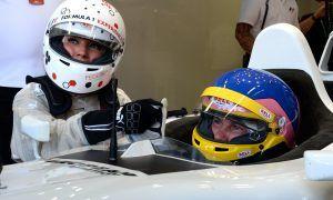 Hamilton 'fell asleep' at the wheel in early 2017 - Villeneuve