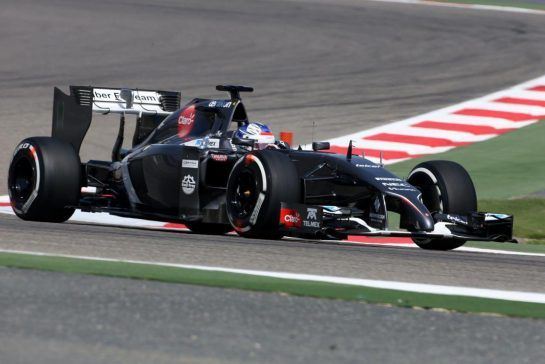Sirotkin was offered more mileage with the Swiss outfit in early 2014, and is seen here testing at Bahrain. ©XPB