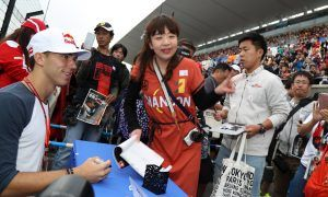 Toro Rosso staff gets lessons in Japanese culture!