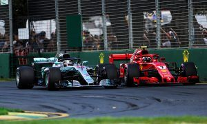 Wolff puts Melbourne Mercedes defeat on 'software glitch'