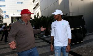 Is Mercedes starting to sweat over Hamilton contract delay?