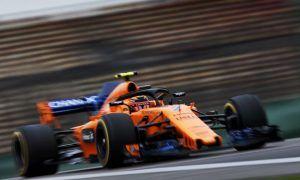 McLaren handed 5,000 euro fine over Vandoorne pit stop error