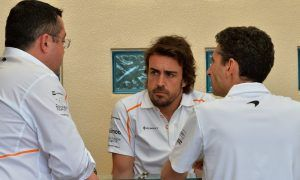No talks between McLaren and Alonso until mid-season point