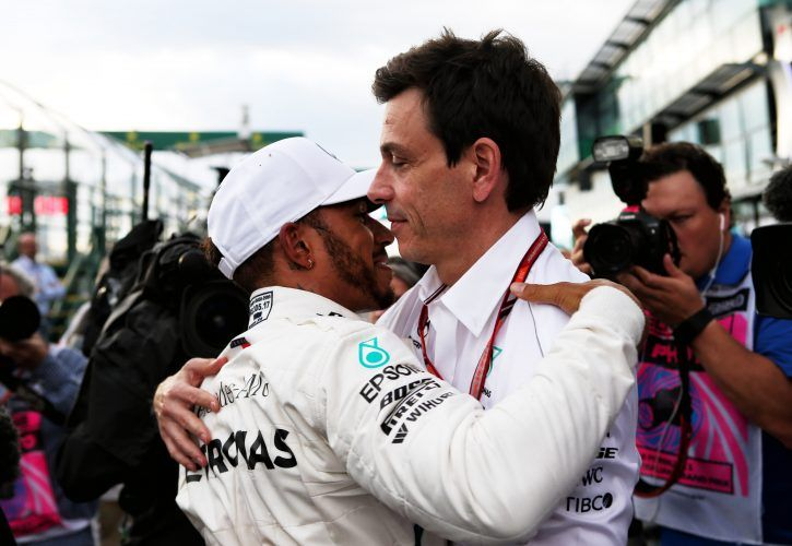Lewis Hamilton (GBR) Mercedes AMG F1 celebrates his pole position with Toto Wolff (GER)