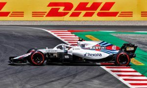 Kubica 'embarrassed' by difficult Williams in practice outing