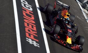 Ricciardo happy with first day but surprised by Mercedes' pace