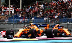 McLaren rallies the troops with crisis meeting at Paul Ricard