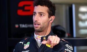 Unimpressed Ricciardo rues 'unfair' treatment from Verstappen