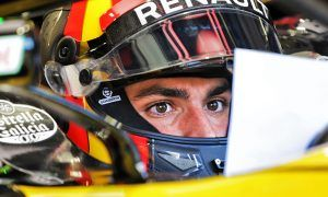 Sainz wants Renault to keep pushing forward