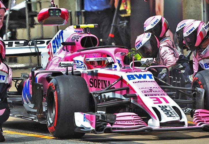 Esteban Ocon (FRA) Sahara Force India F1 VJM11 makes a pit stop