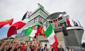 Race winner Sebastian Vettel (GER) Ferrari celebrates on the podium.