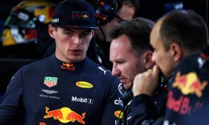 Verstappen's practice pace compromised by damaged floor