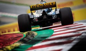 Renault wants 'elements of standardization' to keep teams honest