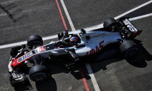 Grosjean on the sidelines for FP2 after morning crash