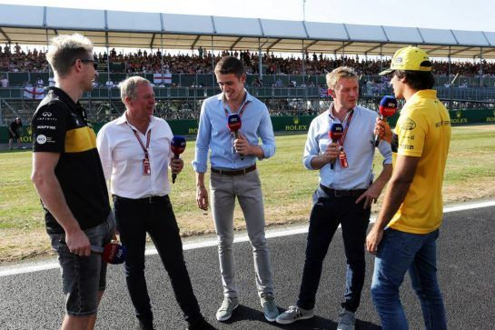 (L to R): Nico Hulkenberg (GER) Renault Sport F1 Team; Martin Brundle (GBR) Sky Sports Commentator; Paul di Resta (GBR) Williams Reserve Driver; Simon Lazenby (GBR) Sky Sports F1 TV Presenter; Carlos Sainz Jr (ESP) Renault Sport F1 Team. 05.07.2018. Formula 1 World Championship, Rd 10, British Grand Prix, Silverstone, England, Preparation Day.  - www.xpbimages.com, EMail: requests@xpbimages.com - copy of publication required for printed pictures. Every used picture is fee-liable. © Copyright: Bearne / XPB Images
