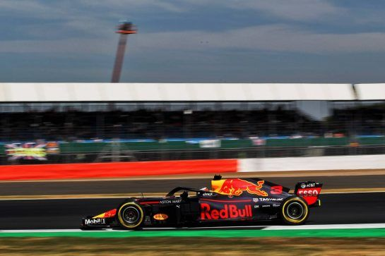 Daniel Ricciardo (AUS) Red Bull Racing RB14. 06.07.2018. Formula 1 World Championship, Rd 10, British Grand Prix, Silverstone, England, Practice Day. - www.xpbimages.com, EMail: requests@xpbimages.com - copy of publication required for printed pictures. Every used picture is fee-liable. © Copyright: Photo4 / XPB Images